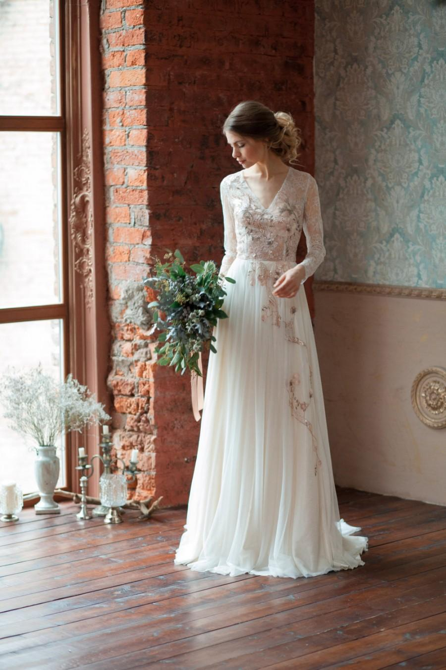 Mariage - Lace wedding dress GLORIA / Long sleeves wedding dress, comfortable wedding dress, boneless wedding dress, light wedding dress, covered back