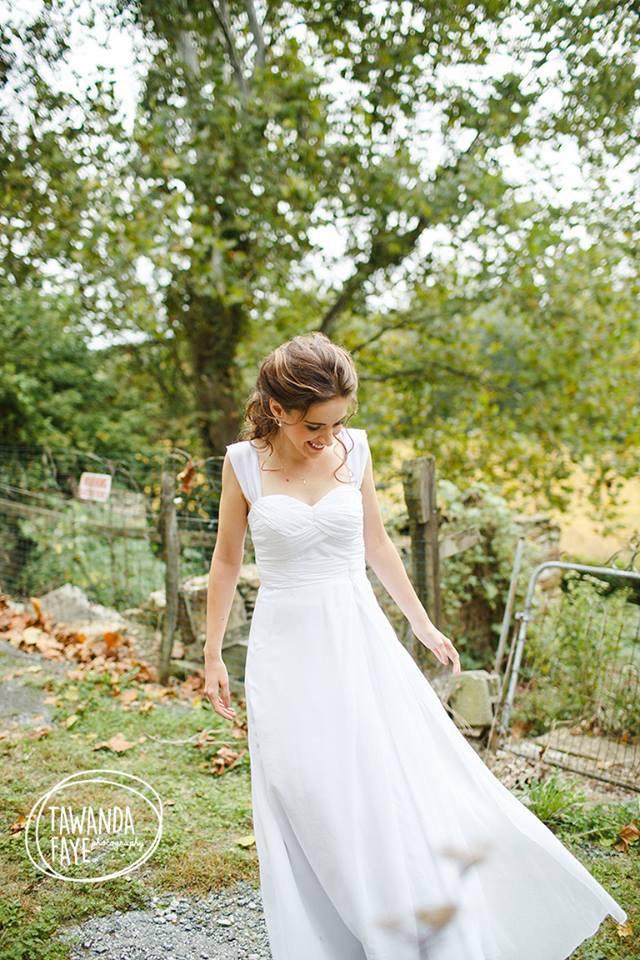 Свадьба - 2017 Long Chiffon White Bridesmaid Dress, Sweetheart Ruched Bodice Wedding Dress, A Line Prom Dress, Backless Evening Gown Floor Length
