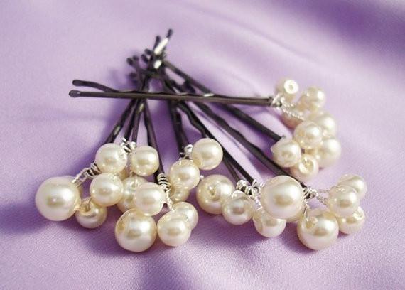 Свадьба - Set Of 5 Bridal Swarovski Pearls Bobby Pins In Silver