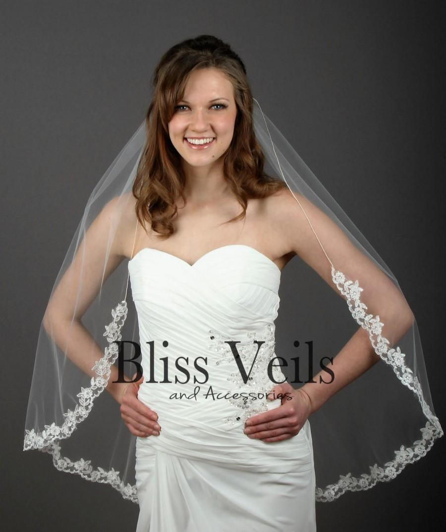 Hochzeit - Lace Veil - Fingertip Lace Veil - Lace Bridal Veil - Chapel Lace Veil - Available in 10 Sizes and 3 Colors - Quick Shipping!