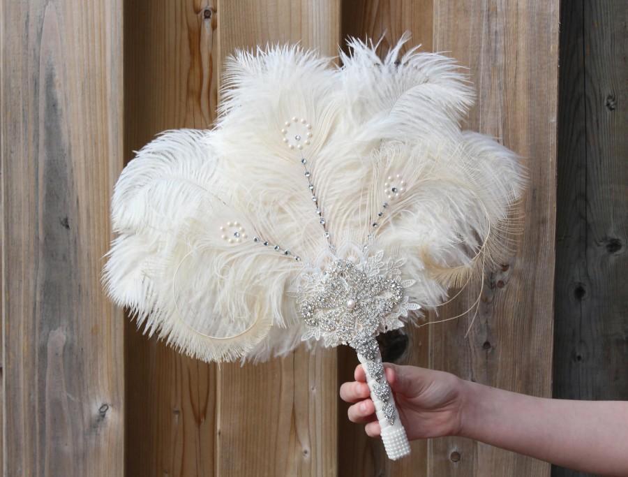 Hochzeit - GATSBY Ostrich Feather Fan 20s Bridal brooch Bouquet 1920s Wedding Feather Bouquet White Gatsby Bouquet art deco wedding Roaring 20s Bouquet