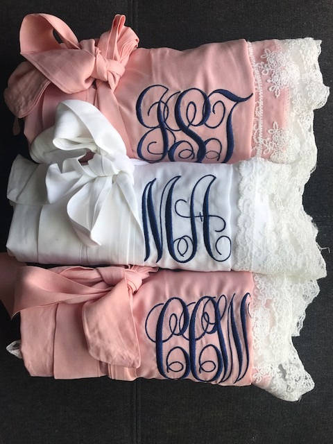 Hochzeit - Bridesmaid gifts, bridesmaid robes, lace robes, cotton robes, getting ready outfits, wedding robes, bridal robes, gifts for bride