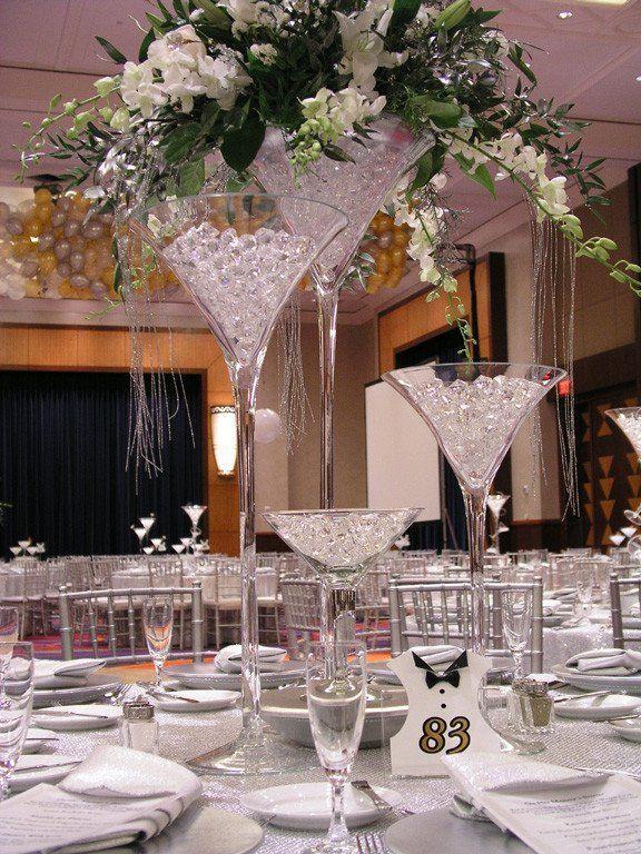 Hochzeit - Martini Glass Centerpiece