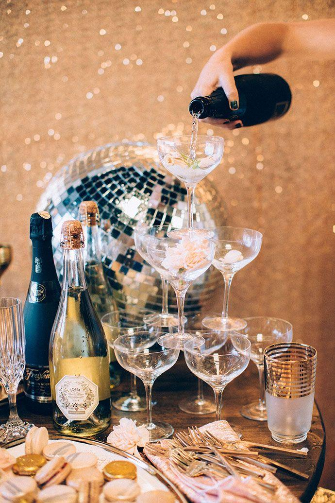 Mariage - A Sparkly Holiday Party To Inspire You This Season