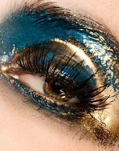 Свадьба - Gold And Blue Eyeshadow