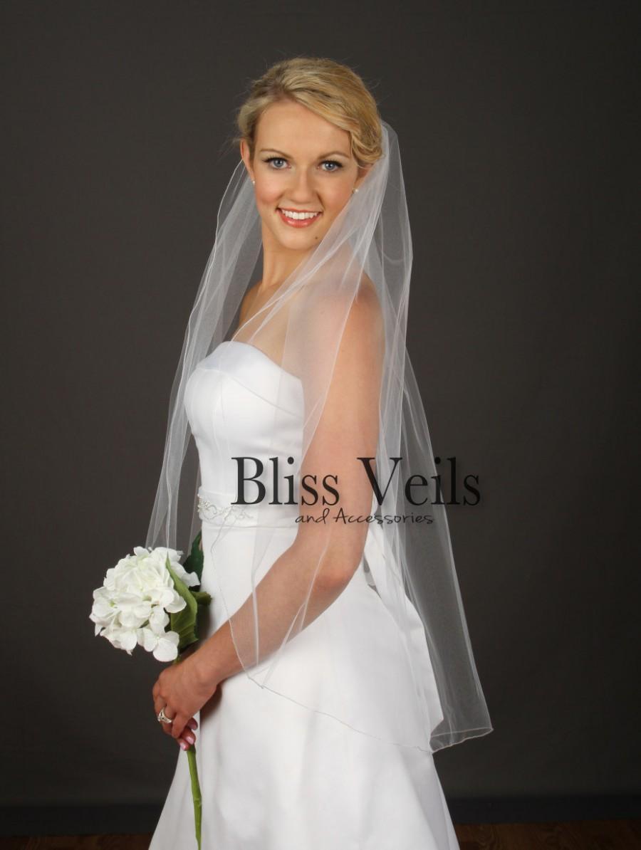 Свадьба - Wedding Veil Fingertip Length -  White / Ivory Fingertip Veil - Blush Bridal Veil - Available in 10 Sizes & 11 Colors!  Fast Shipping!