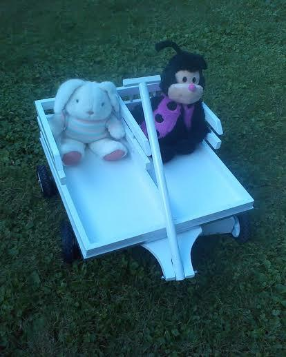 Mariage - Tandem Wooden Wagon for 2  - Perfect for Twins, brothers, sisters !  Adorable for the growing family