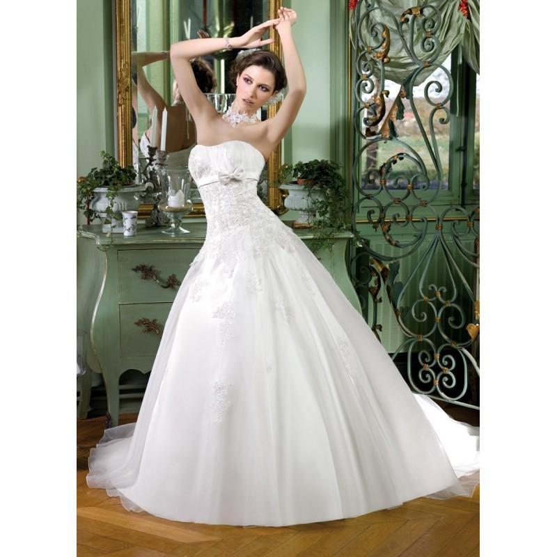 Hochzeit - Miss Kelly, 131-09 - Superbes robes de mariée pas cher