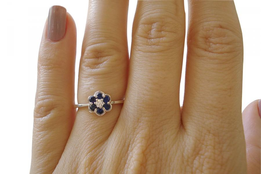 Mariage - Sapphire and Diamond Ring, Engagement Ring, Bridal Ring, Sapphire and Diamond Flower Engagement Ring, Flower Ring, Art Nouveau Ring Design