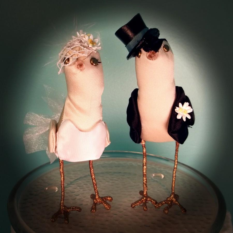 Mariage - Wedding Cake Topper Custom made to order FerdiBirds miniature love birds