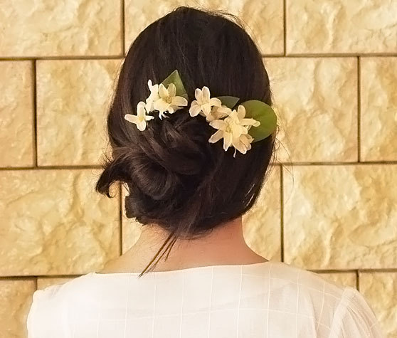 Свадьба - white head wreath.Flower Hair comb , hair flowers wedding comb , bridal hair fashion accessories , wedding Accessory,realistic appearance