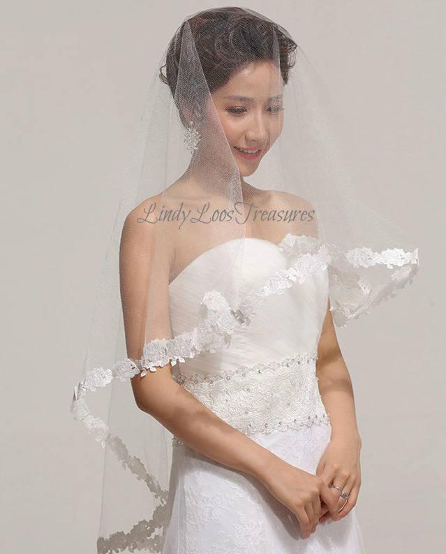 Mariage - Romantic Flower Lace Edge Bridal Drop Veil, White, Ivory, Red, White Wedding Veil, Wedding Veil, Ivory Bridal Veil, Red Bridal Veil