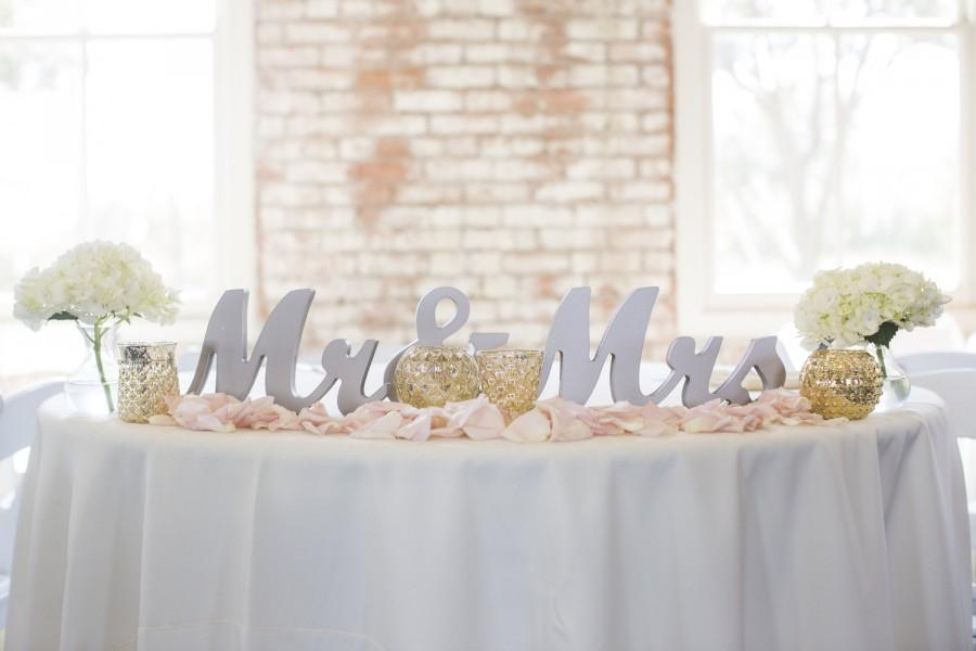 Свадьба - Mr and Mrs Wedding Sign for Wedding Sweetheart Table, Mr and Mrs Letters, Large Thick Mr & Mrs Sign Set (Item - MTS100)