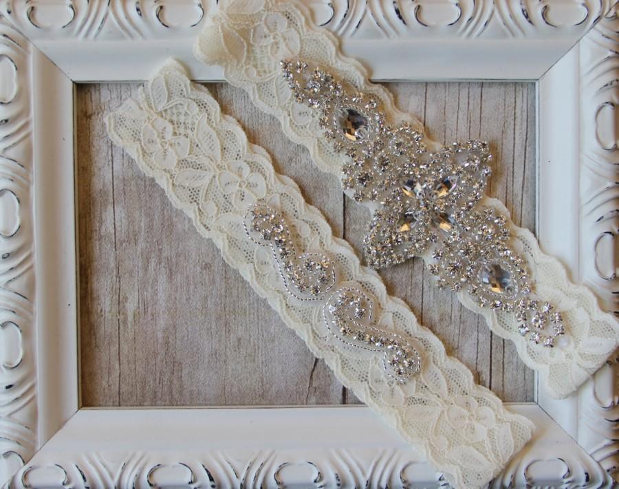 Hochzeit - Garter Set, Wedding Garter Set, Bridal Garter Set, Vintage Wedding, Lace Garter, Crystal Garter Set - Style 001 A