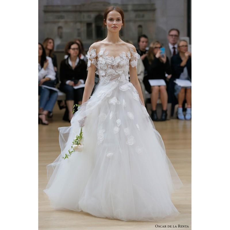 Brautkleid Oscar De La Renta. Oscar De La Renta Bridal Look Emilia ...