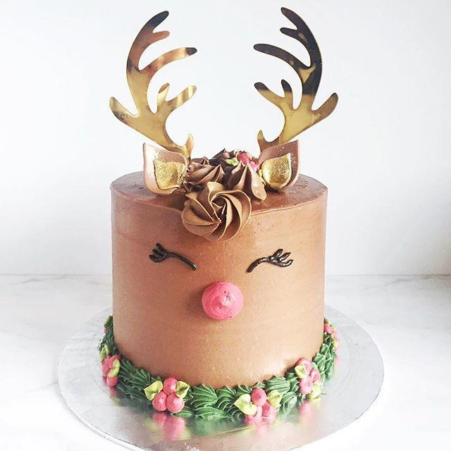 Wedding - 10 Insanely Beautiful Christmas Cakes That Won 2016