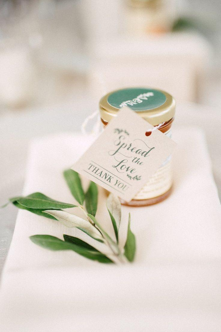 زفاف - Wedding Favours 101: Expert Tips For Giving The Best Gifts