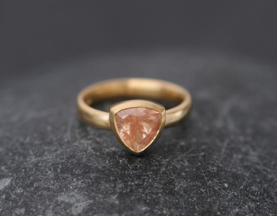 Mariage - Sunstone Trillion Ring - Oregon Sunstone Ring in 18K Gold - Orange Sunstone Ring - Trillion Ring - Made to order -  FREE SHIPPING