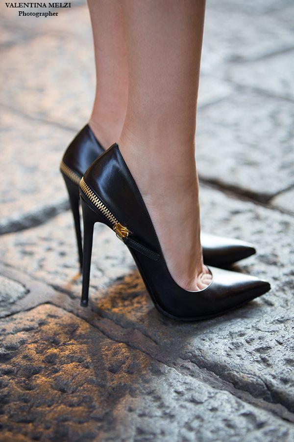 Mariage - Gorgeous Heels & Gorgeous Women