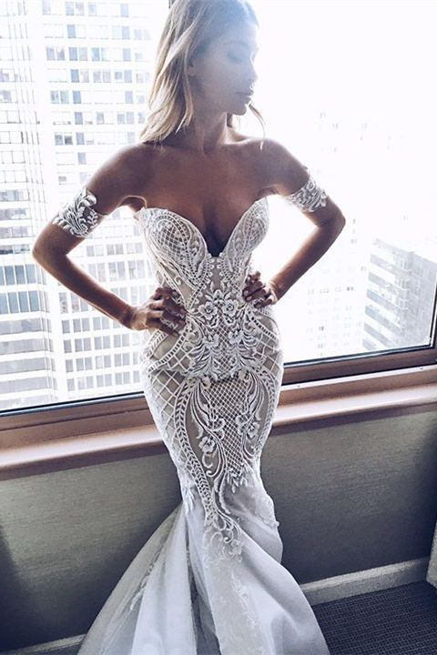 Свадьба - Fabulous Sweetheart Mermaid Sweep Train Wedding Dress With Lace Appliques