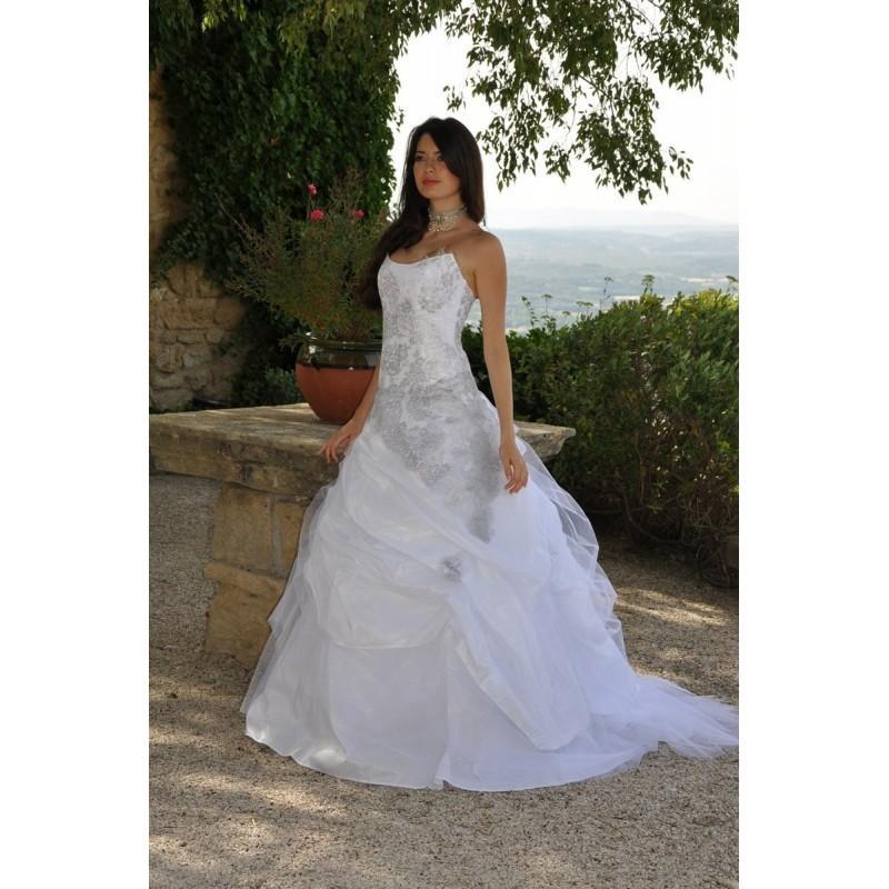 Les Mariees De Provence Nais Argent Superbes Robes De