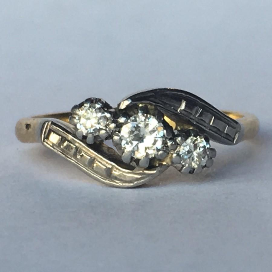زفاف - Vintage Diamond Engagement Ring. Art Deco 18K Gold and Platinum. Unique Engagement Ring. April Birthstone. 10 Year Anniversary Gift. Estate