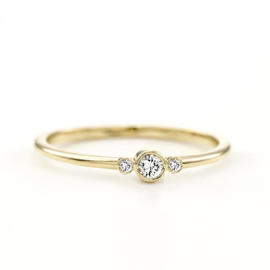 Mariage - Delicate 3 Diamonds Ring ~ Thin 3 Stone Ring ~ Simple Three Stone Ring ~ Minimalist Three Stone Ring ~ Three Diamonds Engagement Ring