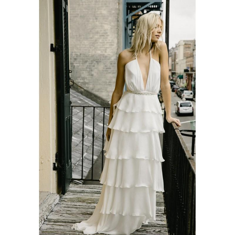 Mariage - Alexandra Grecco Fall/Winter 2017 Daphne Halter Column Vogue Ivory Sweep Train Summer with Sash Chiffon Beach Wedding Gown - Charming Wedding Party Dresses