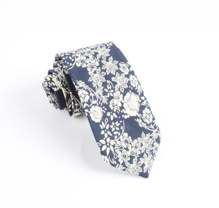 """Mariage - Navy Floral Skinny Tie 2.36"""""""