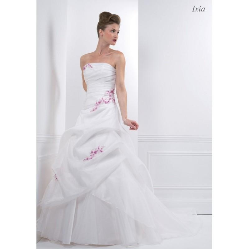 Hochzeit - Créations Bochet, Ixia - Superbes robes de mariée pas cher