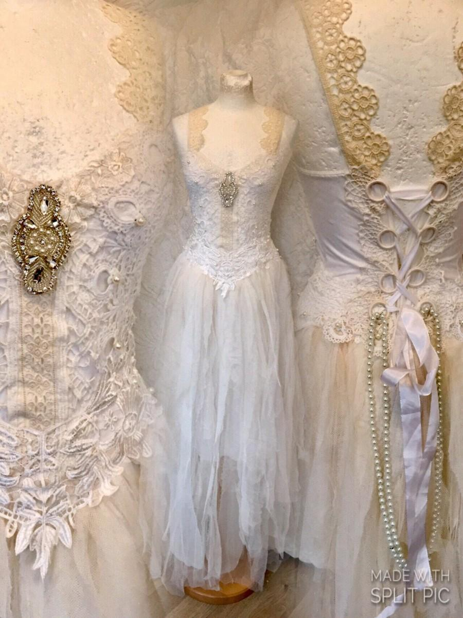 Mariage - Wedding dress white,bridal gown extraordinaire,bohemian wedding dress,lace wedding dress,alternative wedding dress,statement wedding,rawrags