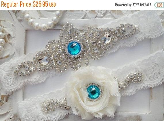 Mariage - 20% SALE Wedding Garter Set, Bridal Garter Set, Vintage Wedding, Off White Lace Garter- Style 100D