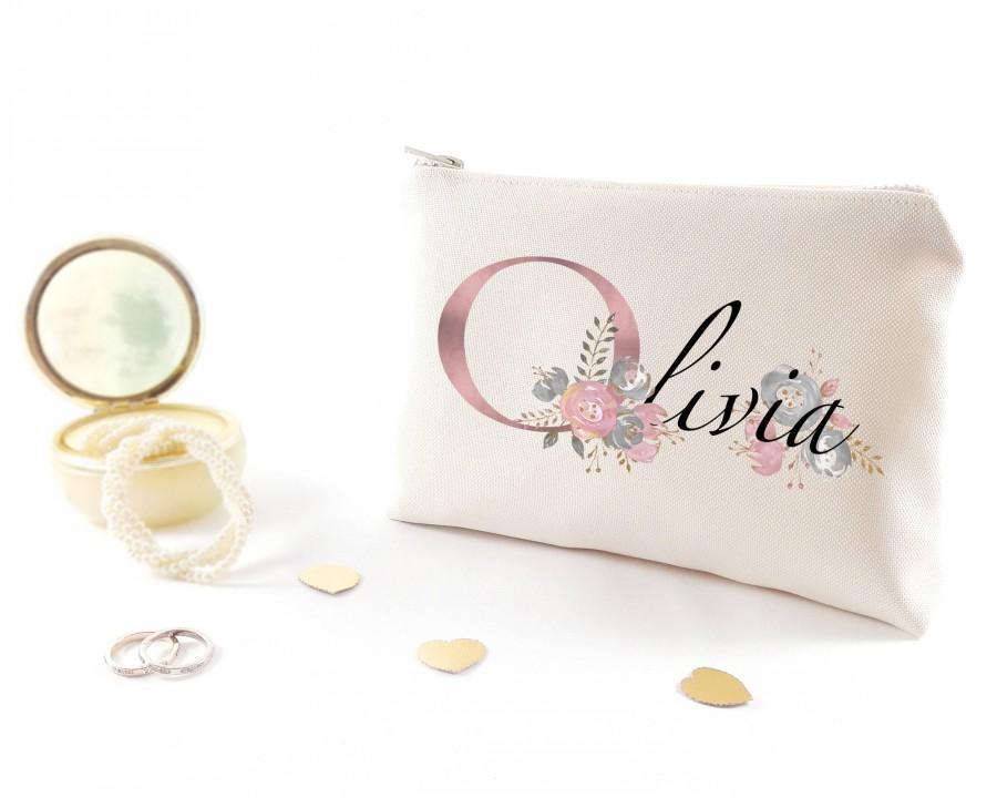 Mariage - Bridal shower gift under 20 Personalized bridesmaid gift idea Makeup organizer Bridesmaid proposal gift ideas Custom bridesmaid makeup bag