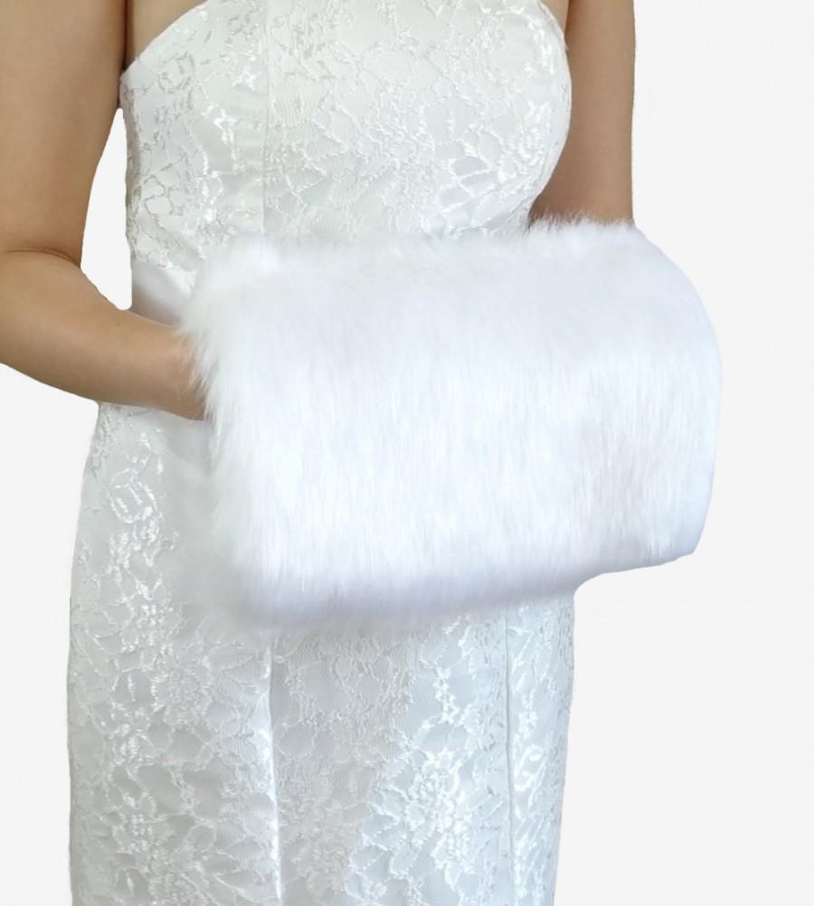 Hochzeit - White Faux Fur Hand Muff, White Wedding Hand Warmer, HandMuff For Wedding Stole and  Faux Fur Wrap, Bridal Stole HM108-WHI