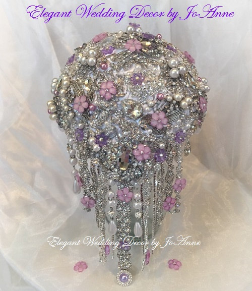 Mariage - CRYSTAL WEDDING BOUQUET Custom Brooch Bouquet Broach Bouquet Silver Brooch Bouquet Teardrop Bouquet Pink and White Bouquet, Deposit Only