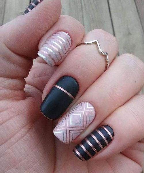 Excellent Black And Golden Strip Nail Art Designs For Your Big Day