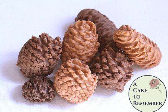 زفاف - 10 Gumpaste pine cones for cake decorating, fall wedding cakes, or for Christmas wedding cake ideas. Autumn cake topper