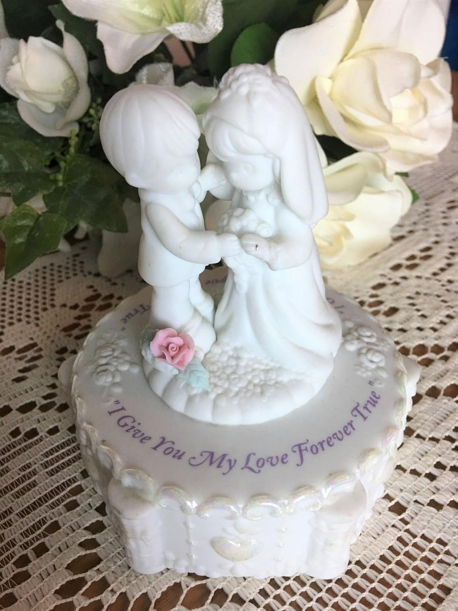 """Mariage - Precious Moments by Enesco, """"I Give You My Love Forever True"""""""
