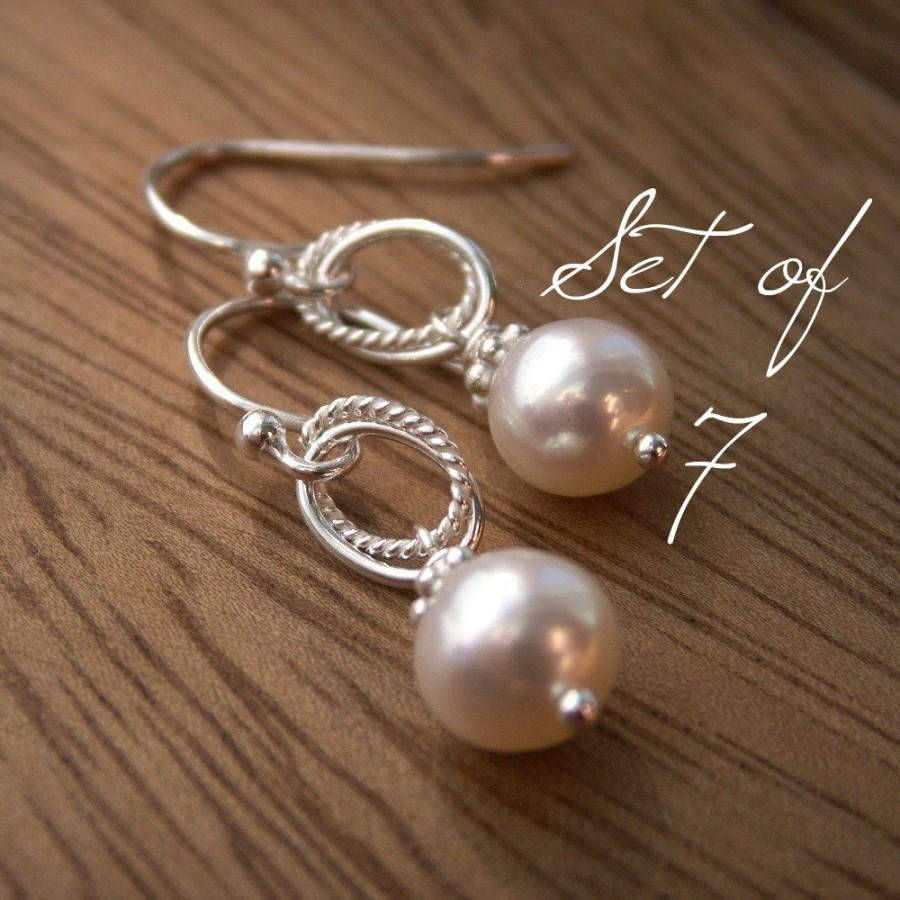 Mariage - Pearl bridesmaid earrings set of 7, cultured freshwater pearl earrings on solid sterling silver, dangle earrings with white or ivory pearls