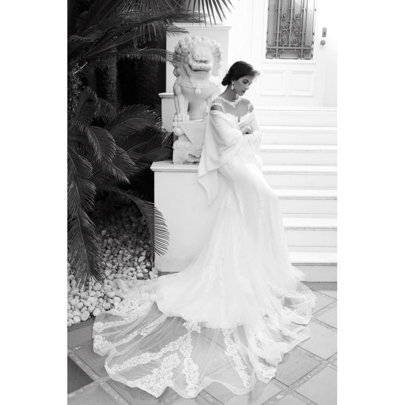 Düğün - Alessandra Rinaudo 2018 LUISETTA Lace Beading Open Back Chapel Train Ivory Column Illusion Cap Sleeves Dress For Bride - Rosy Bridesmaid Dresses