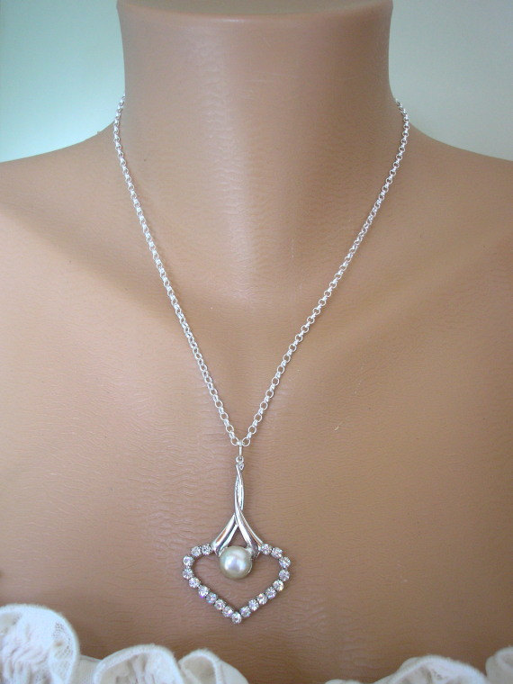 Mariage - Minimalist Heart Pendant