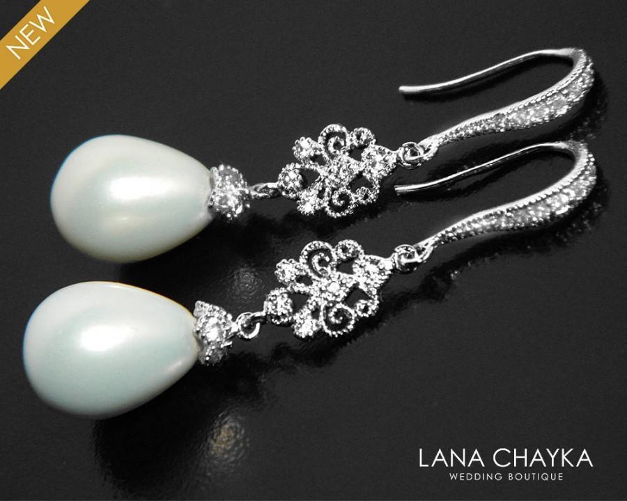 Mariage - White Pearl Bridal Earrings Teardrop Pearl Chandelier Earrings Pearl Dangle Earrings Victorian Style Wedding Earrings Shell Pearl Earrings - $33.00 USD