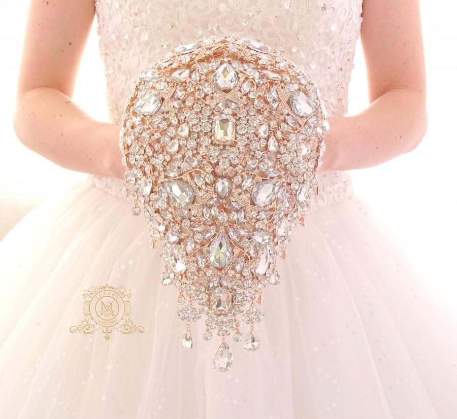 Mariage - Luxury teardrop jeweled rose gold crystal brooch bouquet by MemoryWedding. Wedding glamour Gatsby crystal bling cascading.