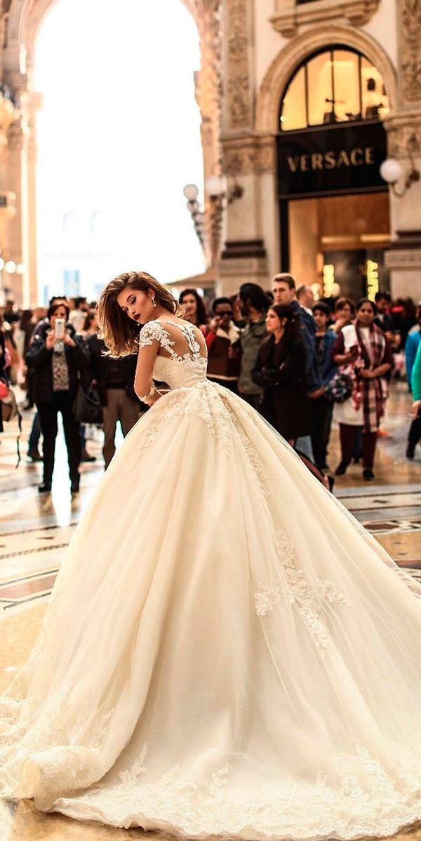 Mariage - 30 Ball Gown Wedding Dresses Fit For A Queen