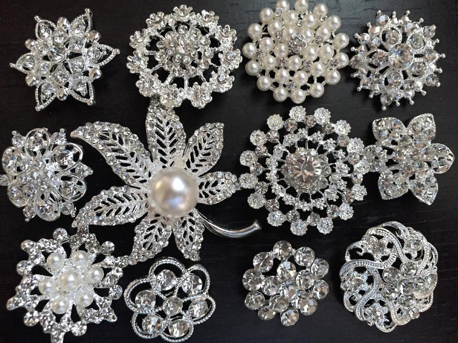 Hochzeit - SALE 12 pcs vintage style wholesale lot rhinestone crystal button brooch bridal wedding bouquet decoration DIY kit BR666