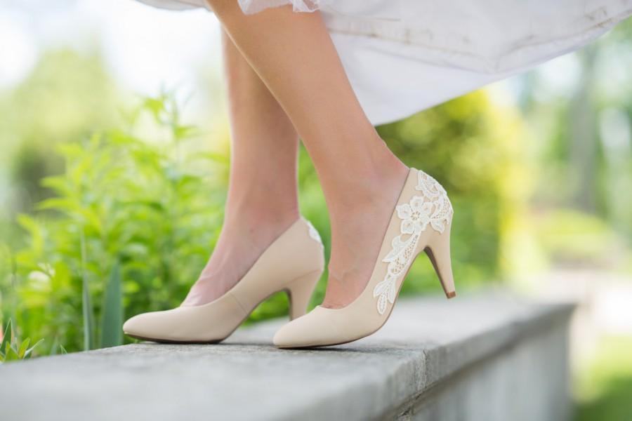 Mariage - SALE.Nude Wedding Shoes,Wedding Heels,Low Heels,Nude Bridal Shoes,Bridal Heels,Lace Heels,Bridesmaid Gift,Bride,Nude Pumps with Ivory Lace