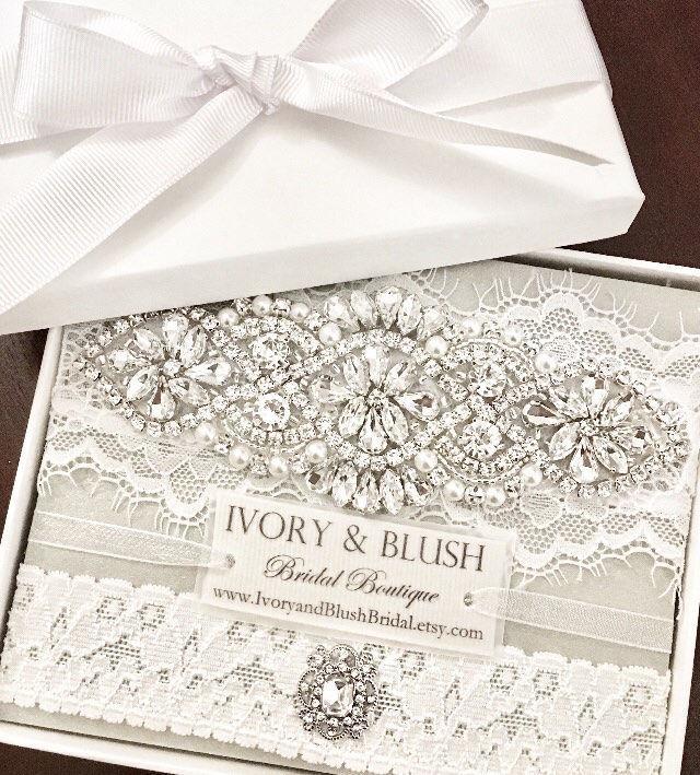 Hochzeit - Garters for Wedding- LIGHT IVORY garter, wedding garter, wedding garter set, bridal garter, garters, Ivory Wedding Garter- Style #L0117