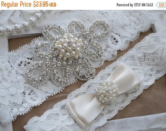 Hochzeit - 20% SALE Wedding Garter Set, Bridal Garter Set, Vintage Wedding, Ivory Lace Garter, Crystal Garter Set, Ivory Garter-Style 300