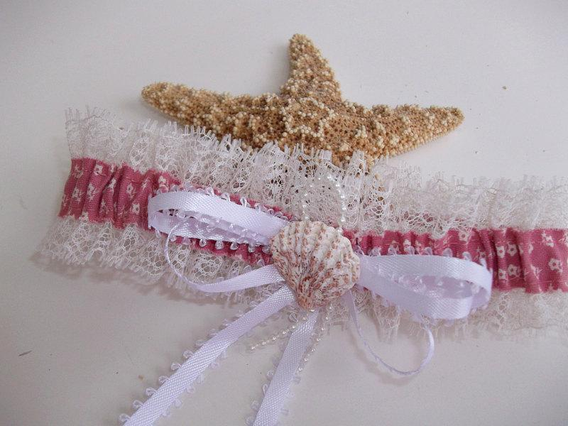 Hochzeit - CLEARANCE Bride's Garter , Beach Theme Wedding , Prom , Lace , Nautical Bridal Accessories , Tropical