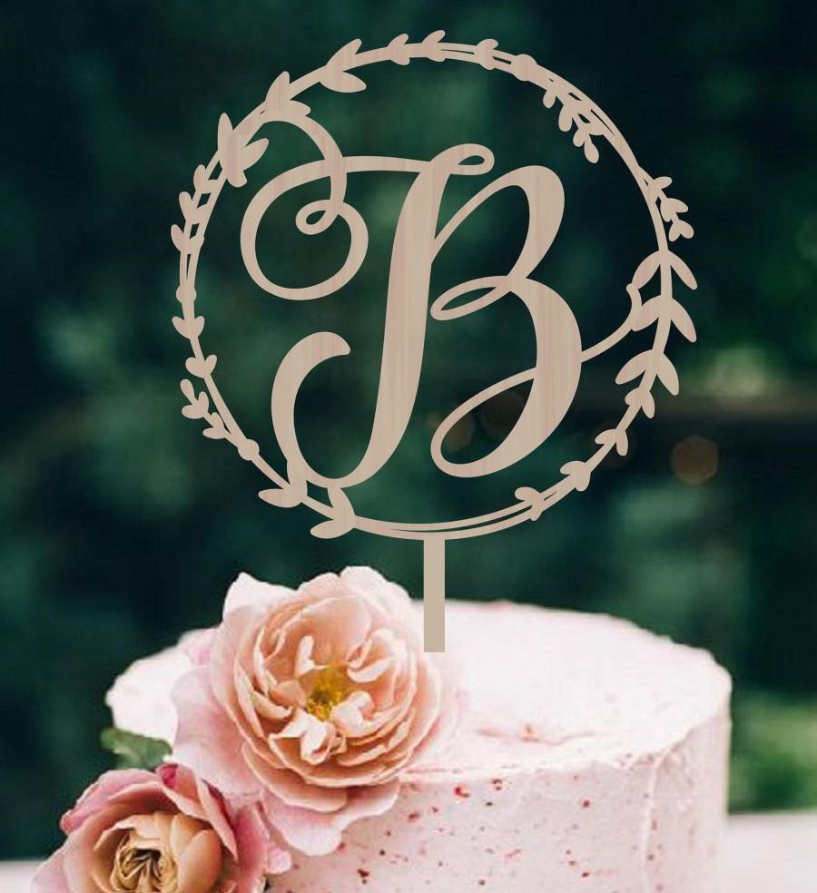 Свадьба - Wedding Cake Topper Wreath  Initial Wood Monogram Wedding Cake Topper  Personalized  Wedding Cake Topper  Wood Cake Topper Silver Gold